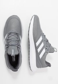adidas Performance - ENERGYFALCON - Nøytrale løpesko - grey three/footwear white/grey two - 1