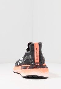 adidas Performance - ULTRABOOST - Zapatillas de running neutras - core black/footwear white/signal coral - 3