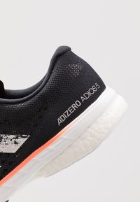 adidas Performance - ADIZERO ADIOS 5 - Laufschuh Neutral - core black/footwear white/signal coral - 5
