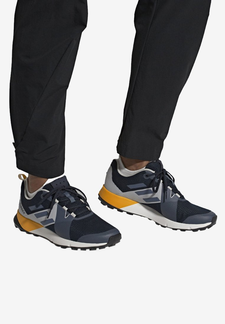 adidas Performance - TERREX TWO SHOES - Löparskor terräng - blue