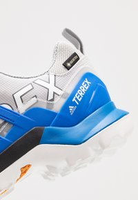 adidas Performance - TERREX SWIFT R2 GORE-TEX - Trail running shoes - grey two/glow blue/core black - 5