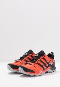 adidas Performance - TERREX SWIFT R2 GORE-TEX - Chaussures de running - glow amber/core black/solar red - 2