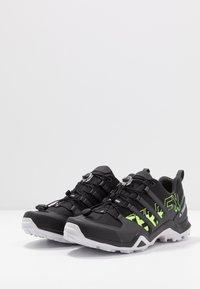 adidas Performance - TERREX SWIFT R2 - Obuwie hikingowe - core black/signal green - 2