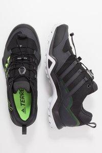 adidas Performance - TERREX SWIFT R2 - Obuwie hikingowe - core black/signal green - 1