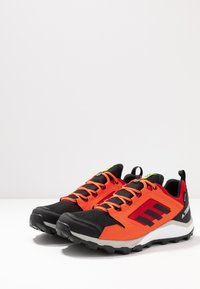 adidas Performance - TERREX AGRAVIC GORE-TEX TRAIL RUNNING SHOES - Trail running shoes - solar red/core black/grey two - 2