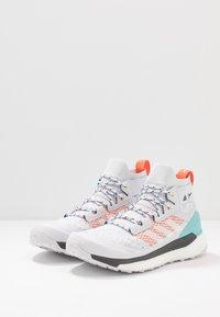 adidas Performance - TERREX FREE PARLEY - Zapatillas de senderismo - grey/footwear white/true orange - 2