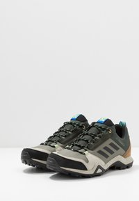 adidas Performance - TERREX AX3 - Obuwie hikingowe - legend green/core black/glow blue - 2