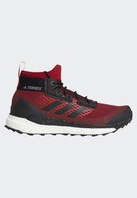 adidas Performance - TERREX FREE HIKER GORE TEX HIKING SHOES - Hikingskor - burgundy - 9