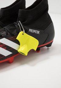 adidas Performance - PREDATOR 20.3 SG - Botas de fútbol - core black/footwear white/action red - 5
