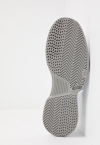 adidas Performance - GAMECOURT BARRICADE CLOUDFOAM TENNIS SHOES - Buty tenisowe uniwersalne - footwear white - 4