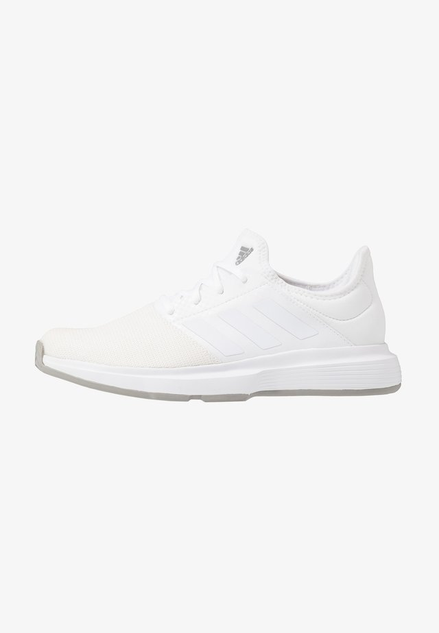 GAMECOURT BARRICADE CLOUDFOAM TENNIS SHOES - All court tennisskor - footwear white