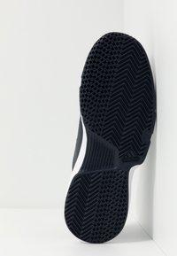 adidas Performance - GAMECOURT BARRICADE CLOUDFOAM TENNIS SHOES - Kengät kaikille alustoille - legend ink/footwear white - 4