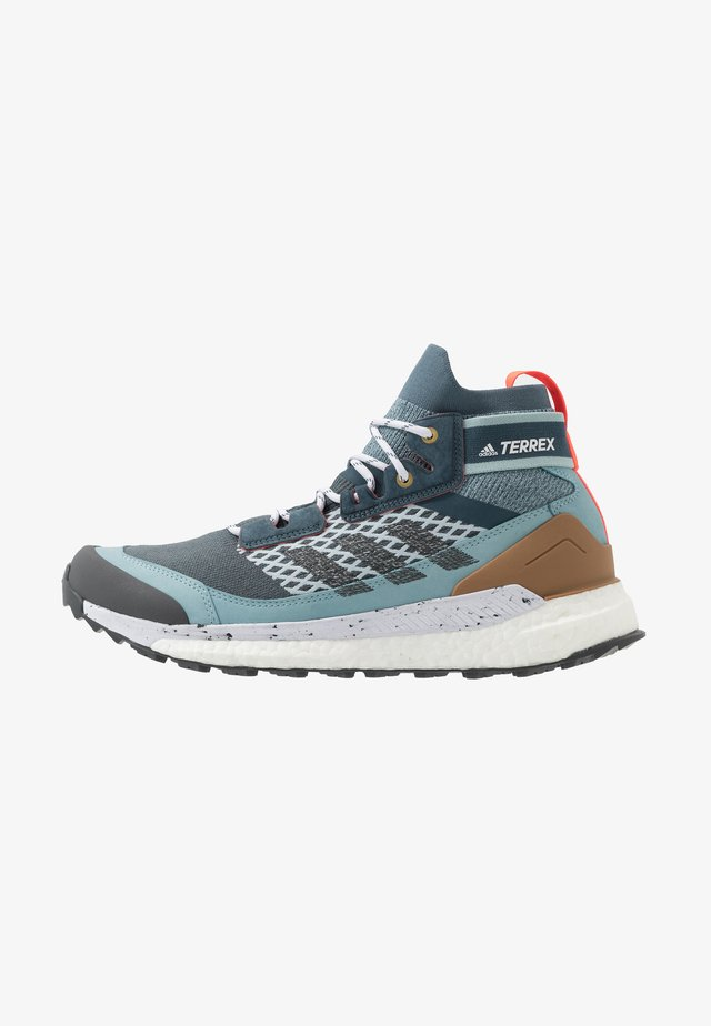 FREE HIKER BOOST PRIMEKNIT SHOES - Hikingskor - legend blue/solid grey/ash grey