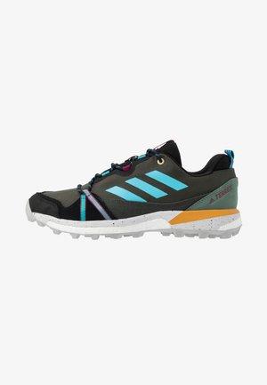 TERREX SKYCHASER  - Hiking shoes - legend earth/hi-res aqua