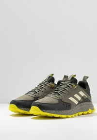 adidas Performance - RESPONSE - Zapatillas de trail running - legend green/sand/legend earth - 2