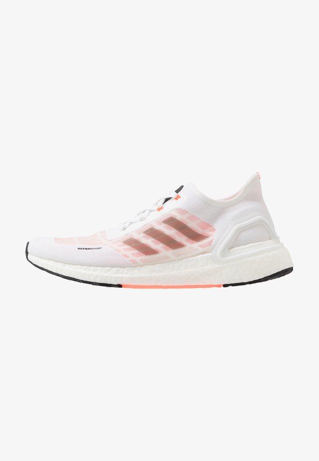 ULTRABOOST A.RDY - Zapatillas de running neutras - footwear white/core black/solar red