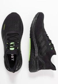 adidas Performance - ULTRABOOST A.RDY - Obuwie do biegania treningowe - core black/signal green - 1