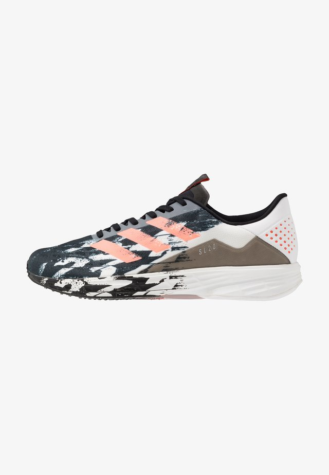 SL20 - Neutrale løbesko - core black/signal coral/footwear white