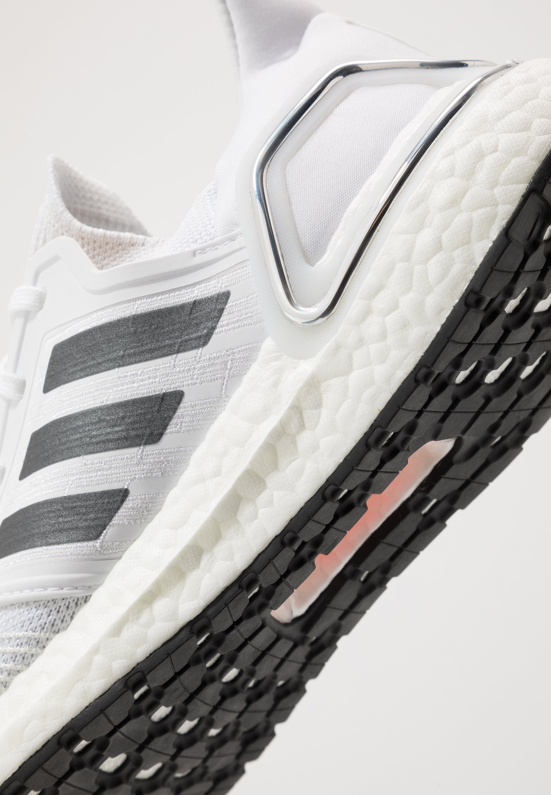 adidas Performance ULTRABOOST 20 - Chaussures de running neutres - footwear white/night metallic/dash grey