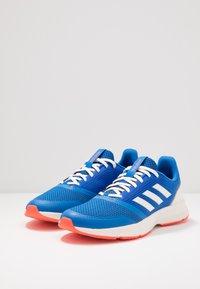 adidas Performance - NOVA FLOW - Nøytrale løpesko - glow blue/footwear white/solar red - 2