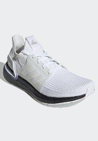adidas Performance - ULTRABOOST 19 SHOES - Laufschuh Stabilität - white - 3