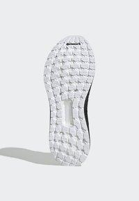 adidas Performance - ULTRABOOST 19 SHOES - Laufschuh Stabilität - white - 5