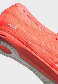 adidas Performance - ADIZERO AMBITION SPIKES - Kolce - signal coral - 9