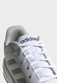 adidas Performance - GAMETALKER SHOES - Stabile løpesko - white - 8