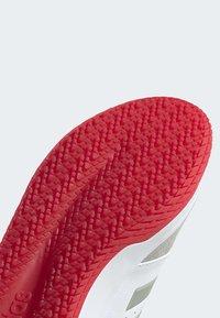adidas Performance - GAMETALKER SHOES - Stabile løpesko - white - 6