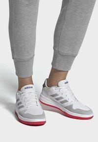 adidas Performance - GAMETALKER SHOES - Stabile løpesko - white - 0