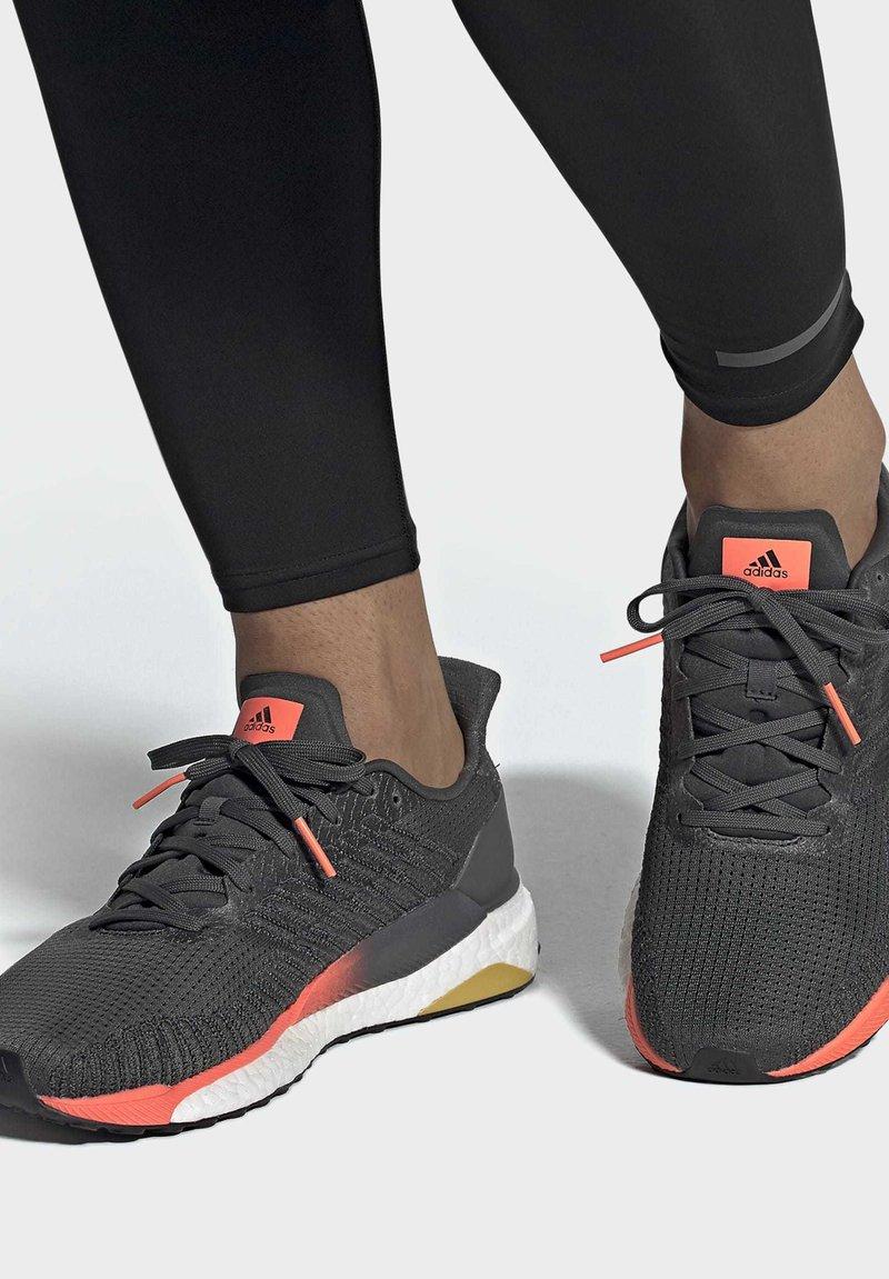 adidas Performance - SOLARBOOST 19 SHOES - Zapatillas de running estables - grey