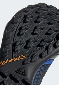 adidas Performance - TERREX AX3 GORE-TEX HIKING SHOES - Hikingsko - black - 10
