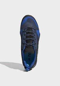adidas Performance - TERREX AX3 GORE-TEX HIKING SHOES - Hikingsko - black - 2