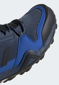 adidas Performance - TERREX AX3 GORE-TEX HIKING SHOES - Hikingsko - black - 9