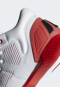 adidas Performance - D ROSE 10 SHOES - Basketball shoes - grey/red/white - 8