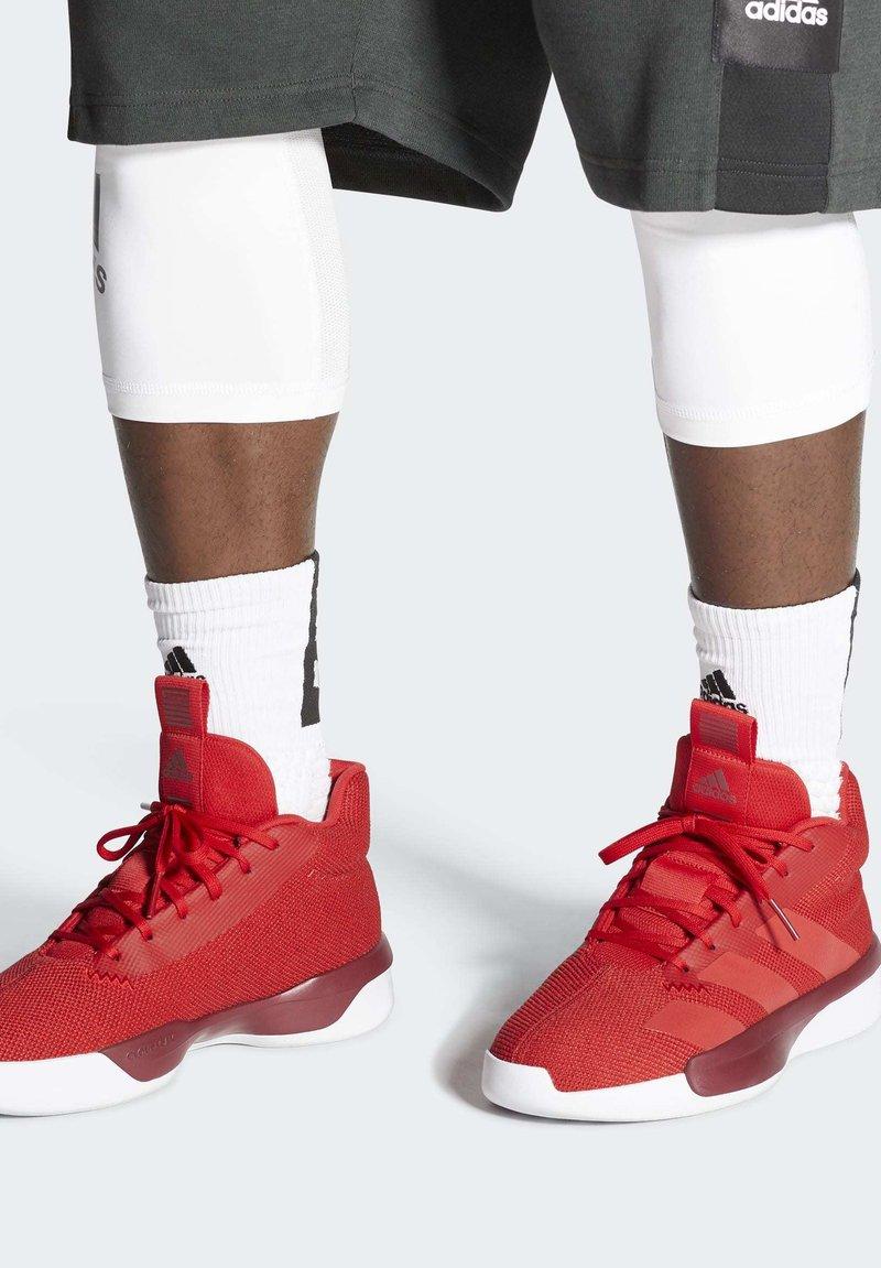 adidas Performance - PRO NEXT 2019 SHOES - Koripallokengät - red
