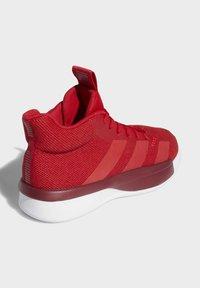 adidas Performance - PRO NEXT 2019 SHOES - Koripallokengät - red - 4