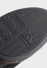 adidas Performance - PRO NEXT 2019 SHOES - Koripallokengät - black - 6