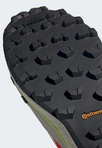 adidas Performance - TERREX SKYCHASER LT GORE-TEX HIKING SHOES - Hiking shoes - orange - 8