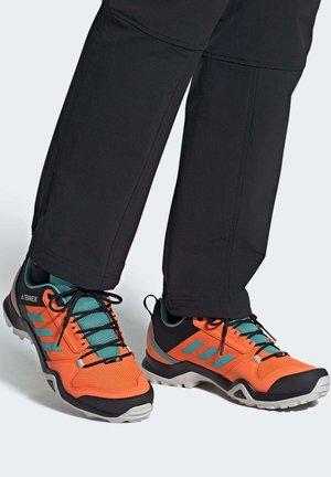TERREX AX3 HIKING SHOES - Outdoorschoenen - orange