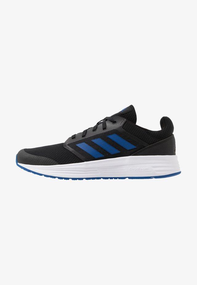 GALAXY CLASSIC CLOUDFOAM SPORTS RUNNING SHOES - Nøytrale løpesko - core black/royal blue/footwear white