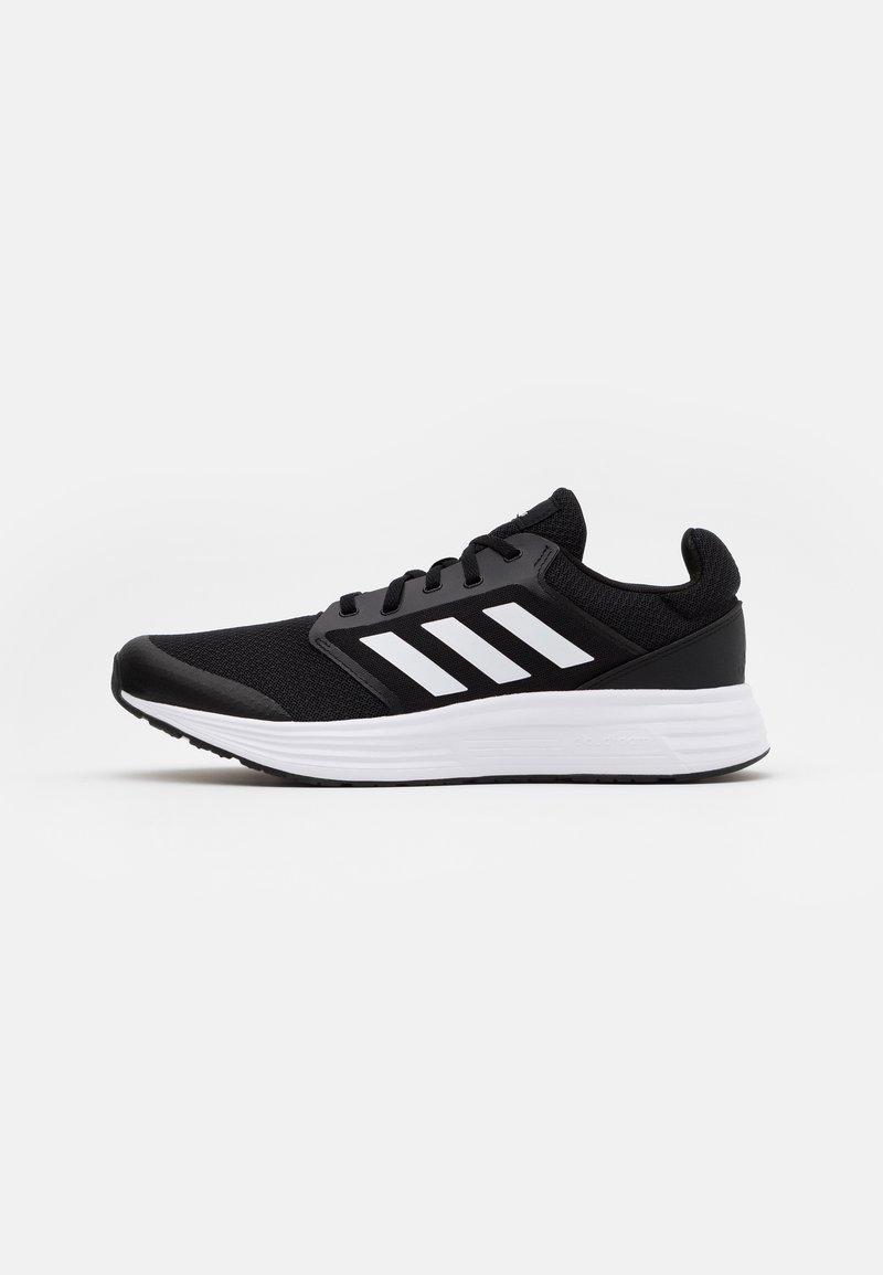 adidas Performance - GALAXY CLASSIC CLOUDFOAM SPORTS RUNNING SHOES - Obuwie do biegania treningowe - core black/footwear white