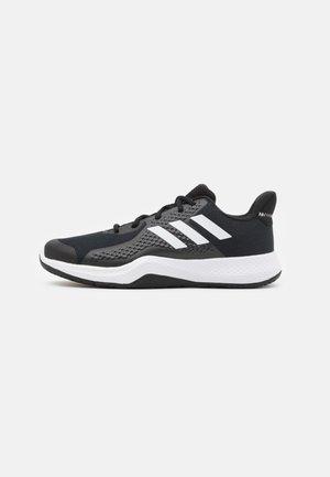 FITBOUNCE VERSATILITY BOUNCE TRAINING SHOES - Scarpe da fitness - core black/footwear white/grey six