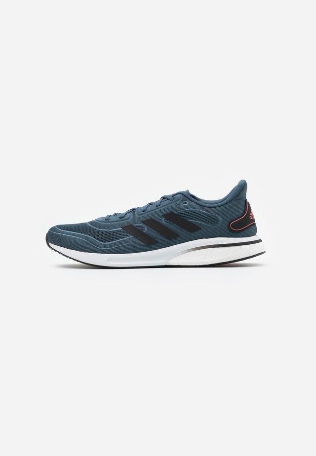 SUPERNOVA BOOST PRIMEGREEN RUNNING SHOES - Zapatillas de running neutras - legend blue/core black/sigal pink