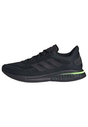 SUPERNOVA BOOST RUNNING SHOES - Neutrální běžecké boty - black