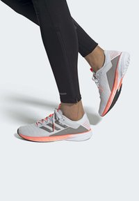 adidas Performance - SL20 SHOES - Stabilty running shoes - grey - 0