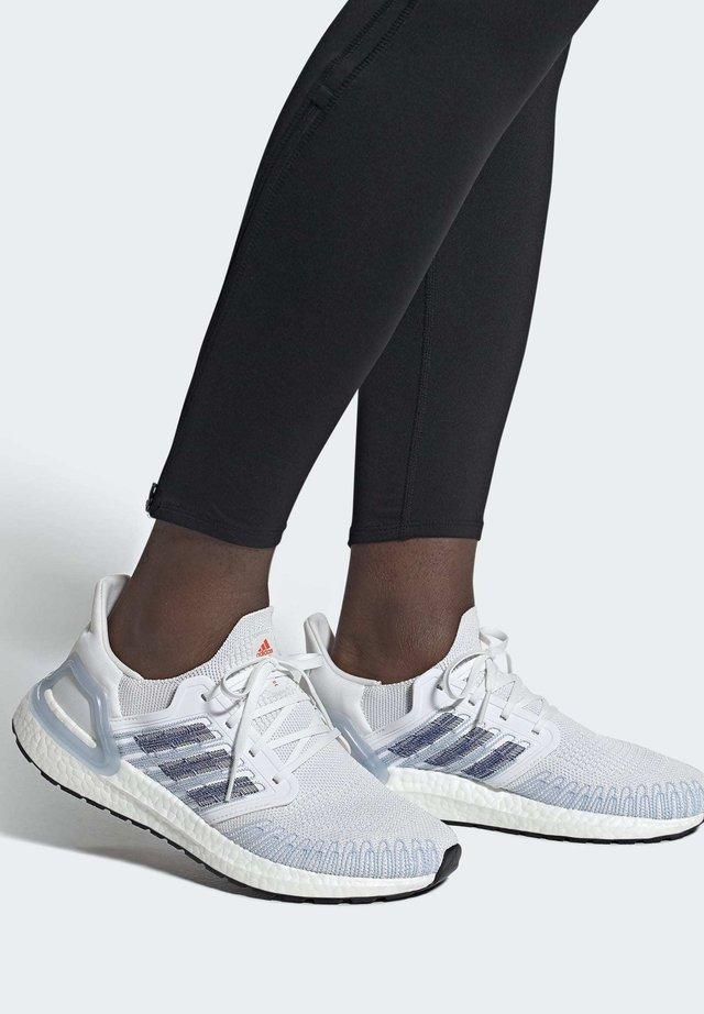 ULTRABOOST 20 SHOES - Obuwie do biegania Stabilność - white