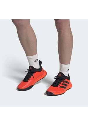 DEFIANT GENERATION MULTICOURT TENNIS SHOES - Scarpe da tennis per tutte le superfici - orange