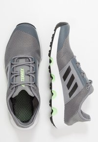 adidas Performance - TERREX VOYAGER - Walking trainers - grey three/core black/signal green - 1