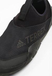 adidas Performance - TERREX JAWPAW II - Obuwie do sportów wodnych - black - 5